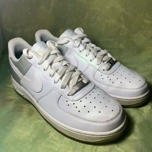 NIKE AIR FORCE 1 LE (GS) Shoes